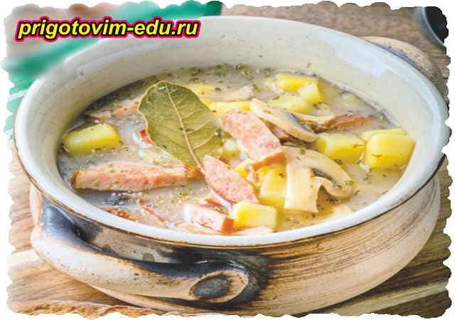 Грибной суп из шампиньонов с ветчиной