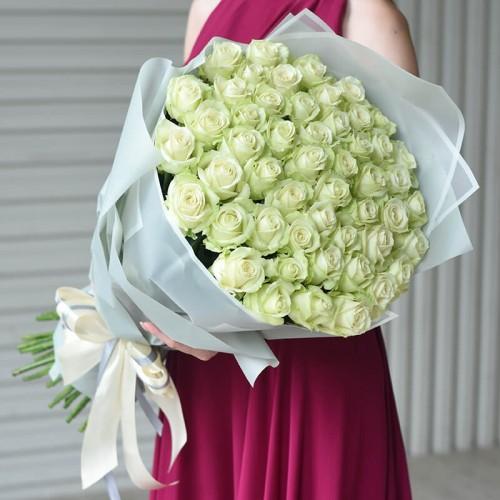 Роза Аваланч: королева цветов родом из Нидерландов
