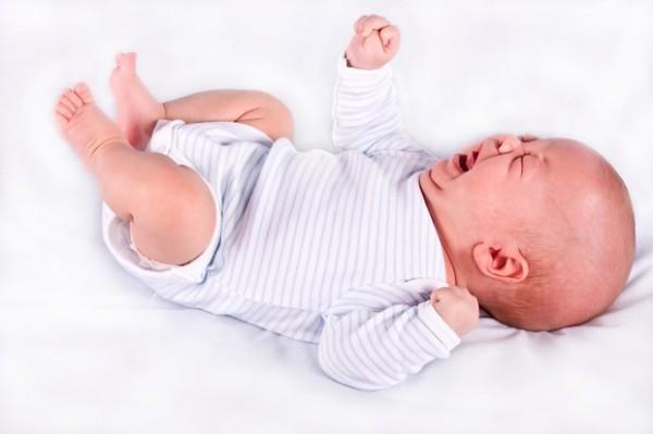 Когда начинаются и когда заканчиваются колики у младенцев?